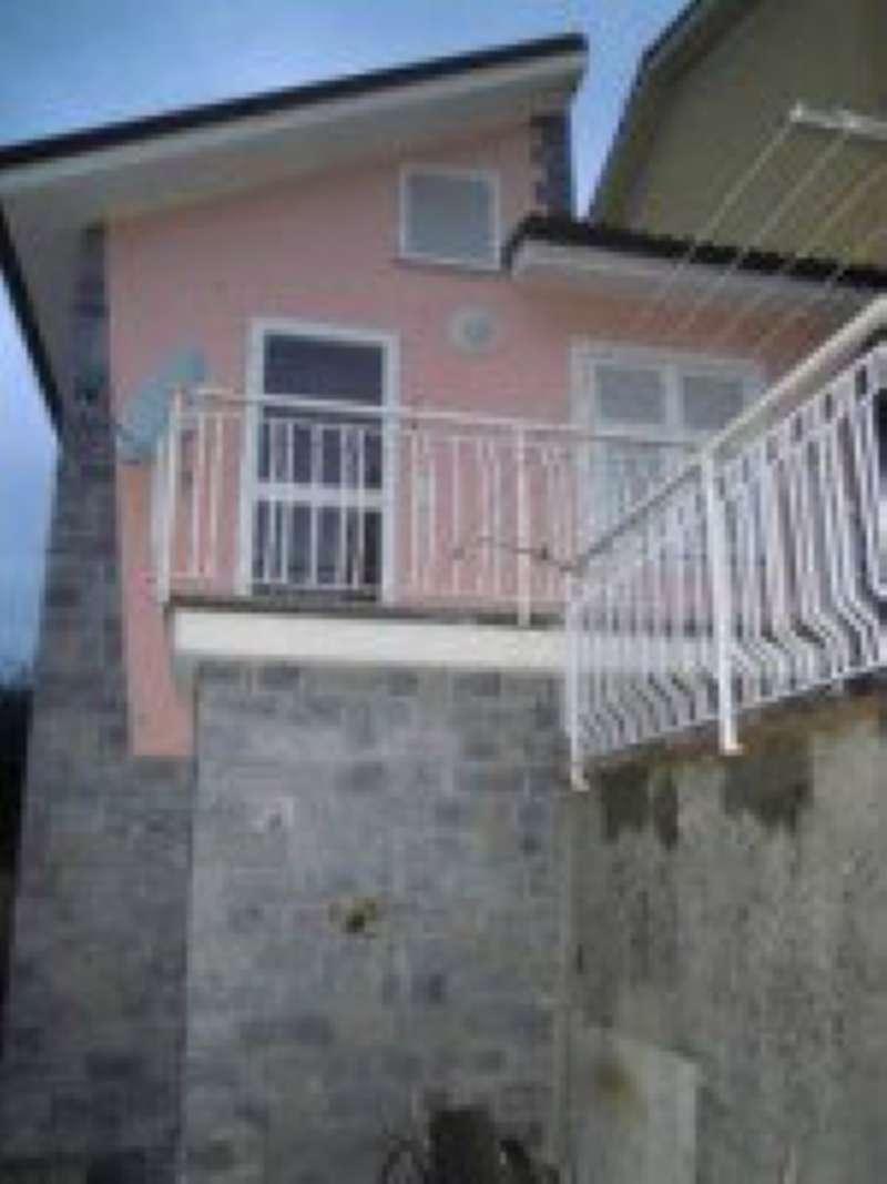 Appartamento in affitto a Avegno, 3 locali, prezzo € 400 | CambioCasa.it