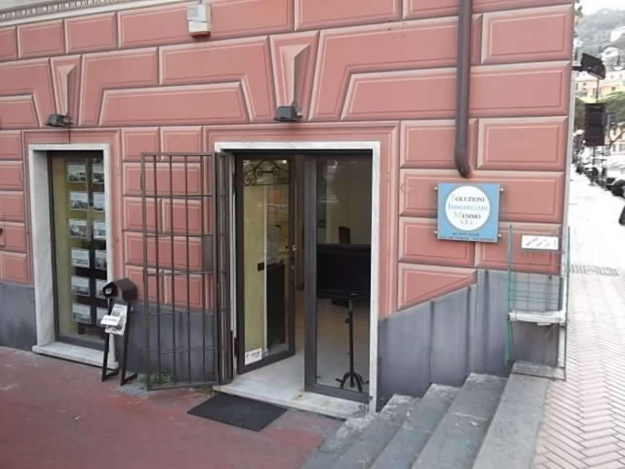 Negozio / Locale in affitto a Recco, 2 locali, prezzo € 1.000   CambioCasa.it
