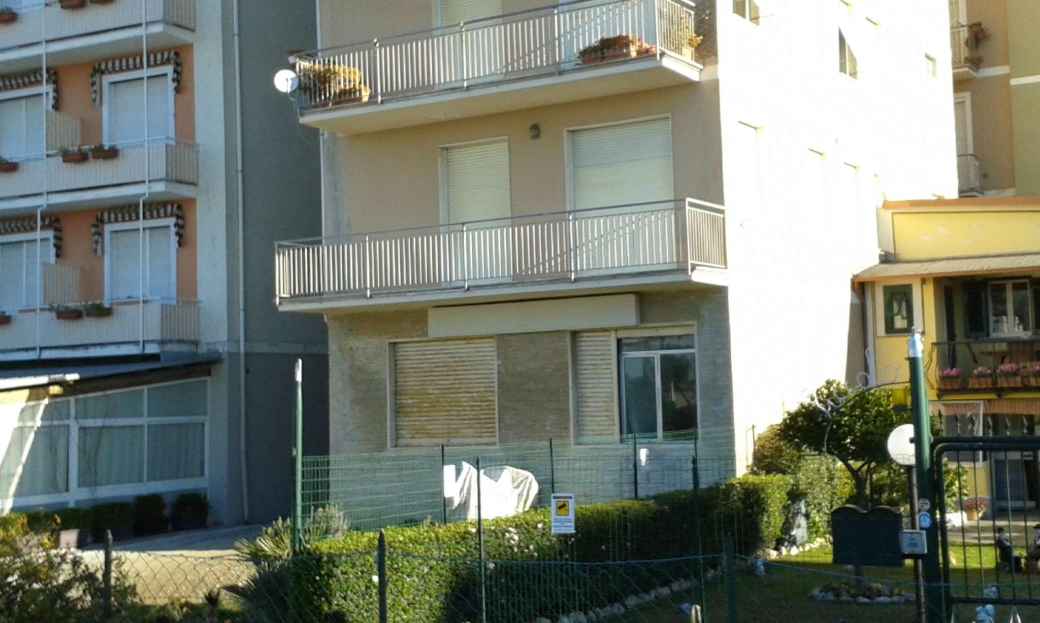 Immobile Commerciale in vendita a Lavagna, 9 locali, prezzo € 290.000 | CambioCasa.it