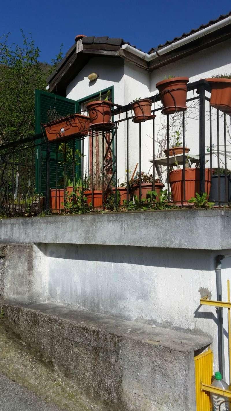 Villa in Vendita a Lumarzo