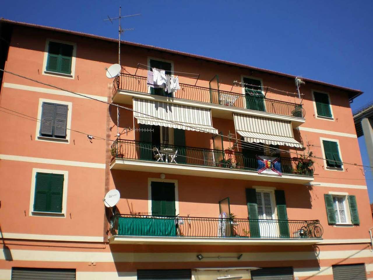 Appartamento in affitto a Recco, 6 locali, prezzo € 550 | CambioCasa.it