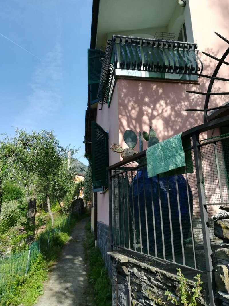 Villa Bifamiliare in vendita a Avegno, 6 locali, prezzo € 195.000   PortaleAgenzieImmobiliari.it