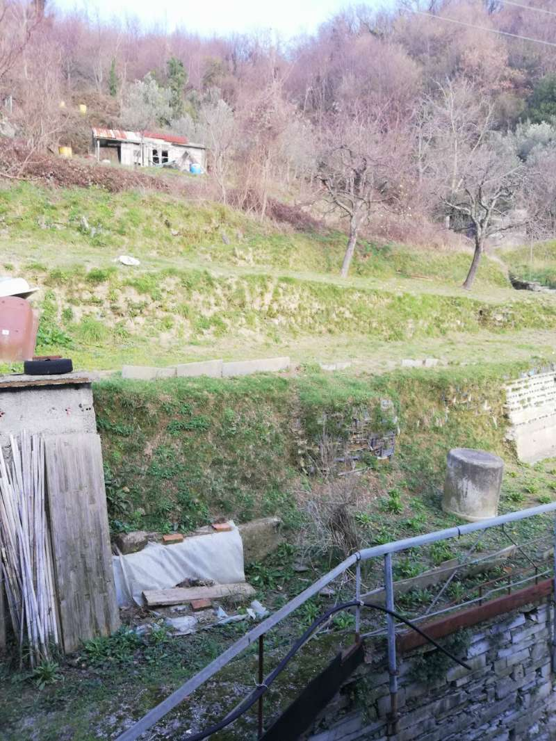Appartamento in vendita a Uscio, 8 locali, prezzo € 65.000 | PortaleAgenzieImmobiliari.it