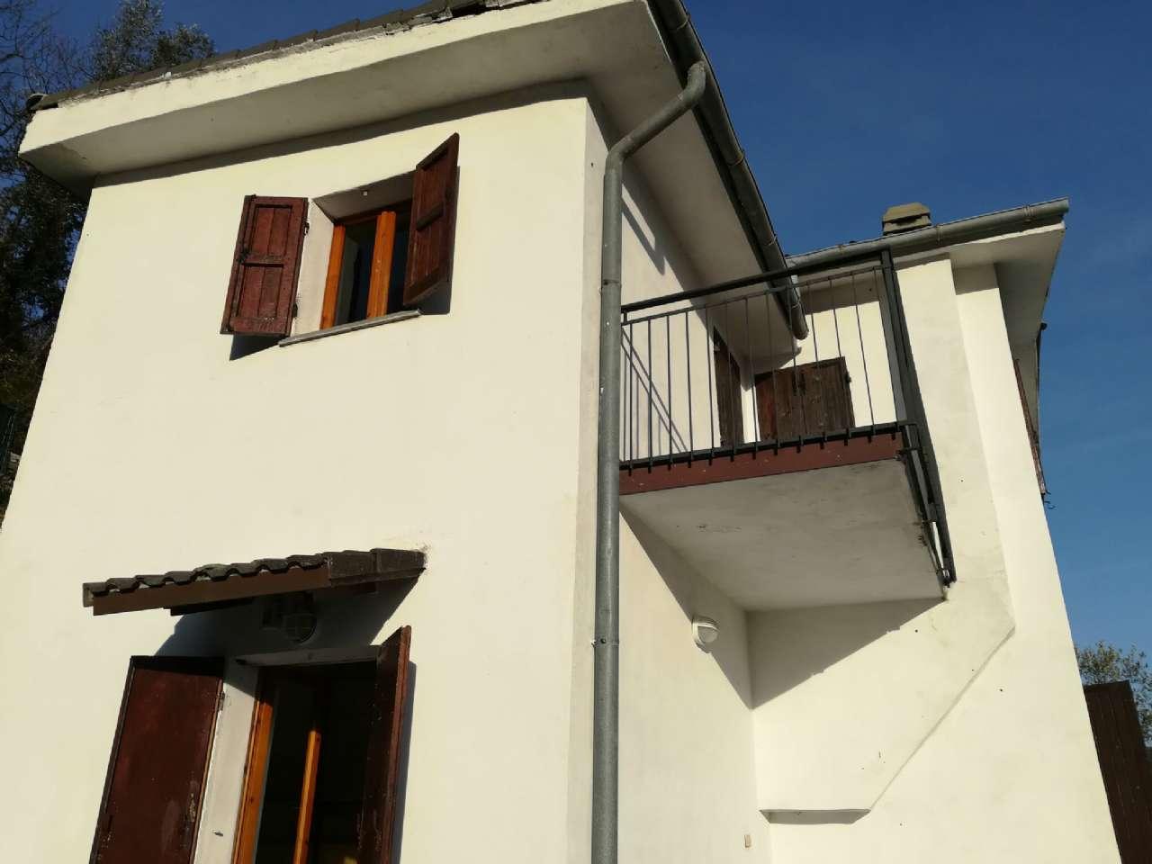 Villa in vendita a Recco, 6 locali, prezzo € 145.000 | PortaleAgenzieImmobiliari.it