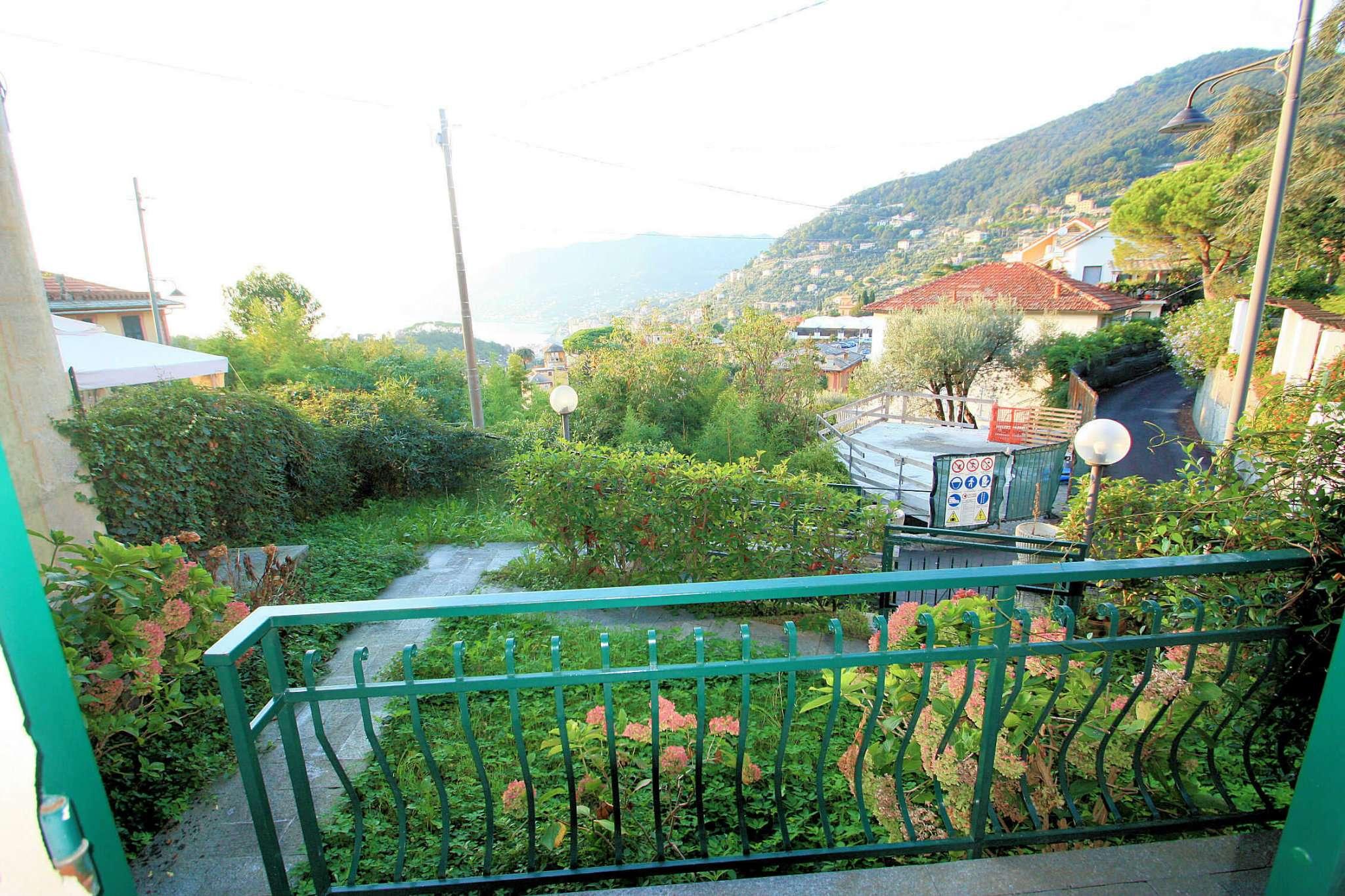 Appartamento in vendita a Camogli, 5 locali, prezzo € 230.000 | CambioCasa.it