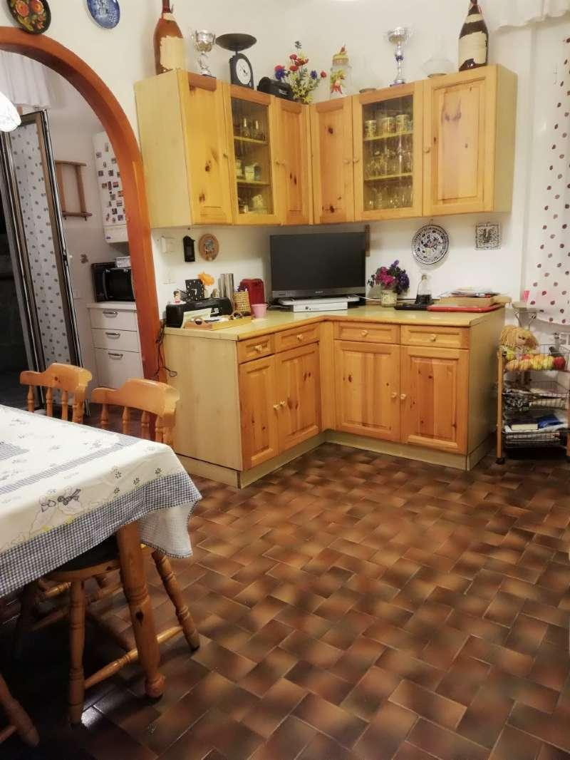Appartamento in vendita a Uscio, 6 locali, prezzo € 120.000 | PortaleAgenzieImmobiliari.it