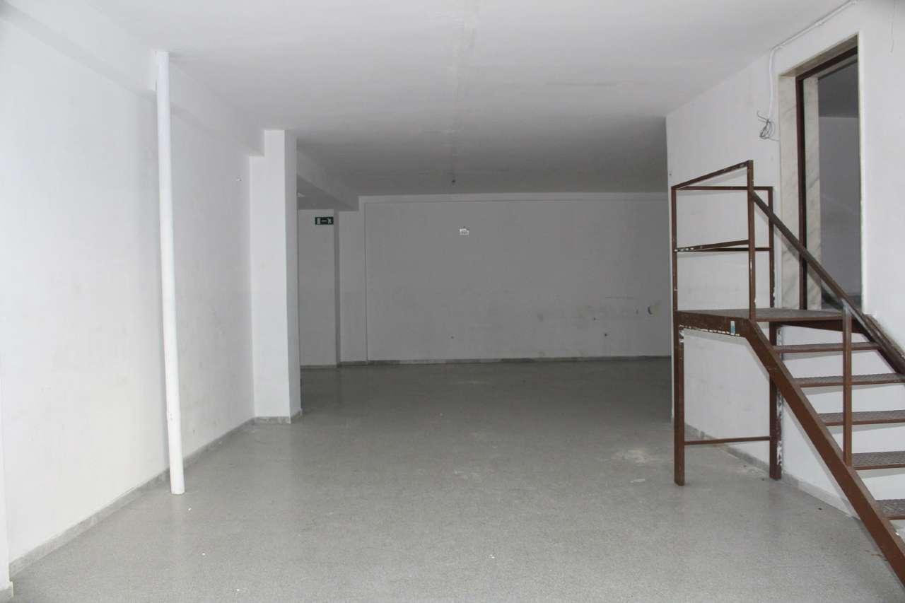 Laboratorio in vendita a Andria, 1 locali, prezzo € 240.000 | CambioCasa.it