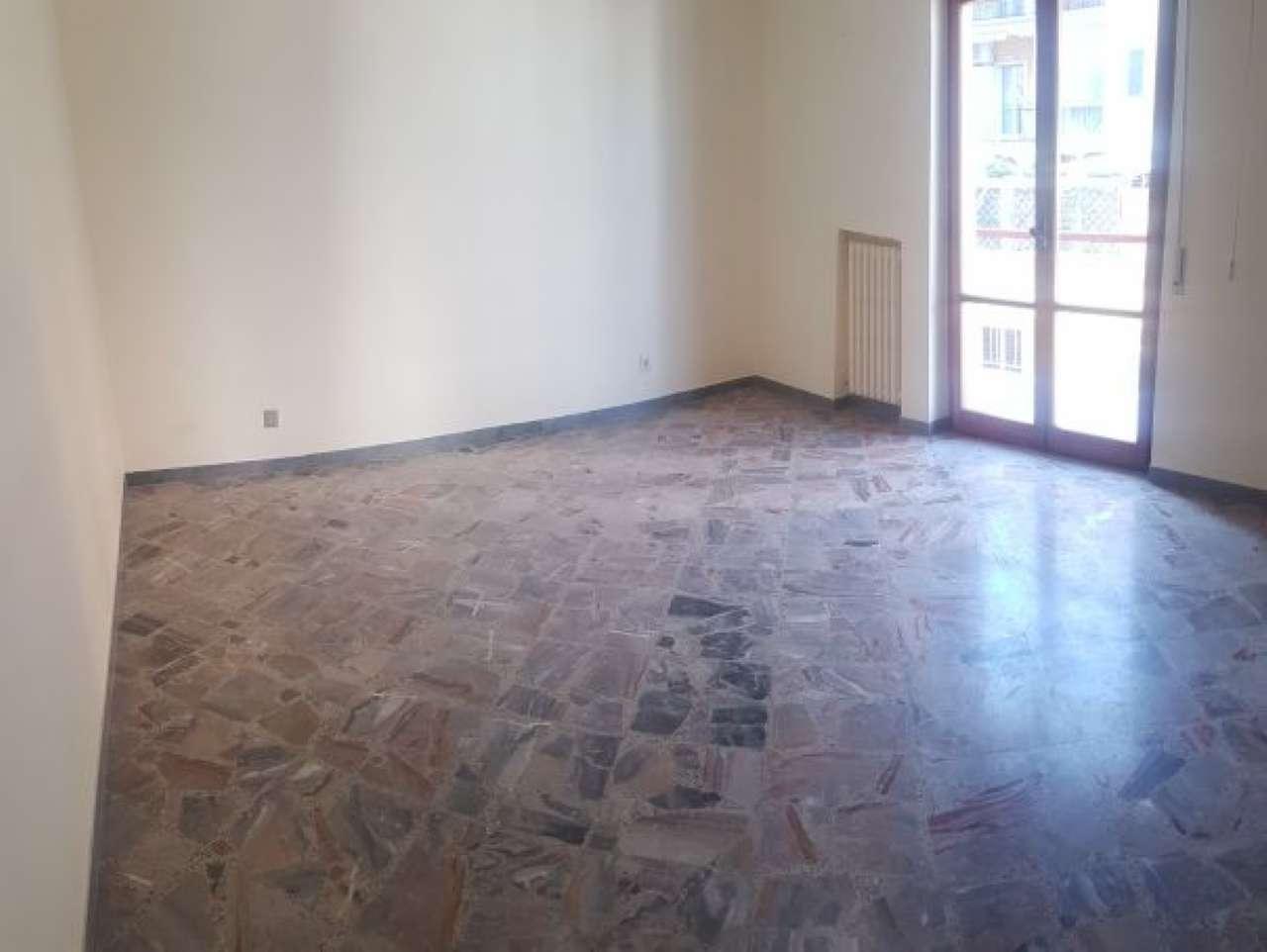 Appartamento in affitto a Barletta, 5 locali, prezzo € 600 | CambioCasa.it