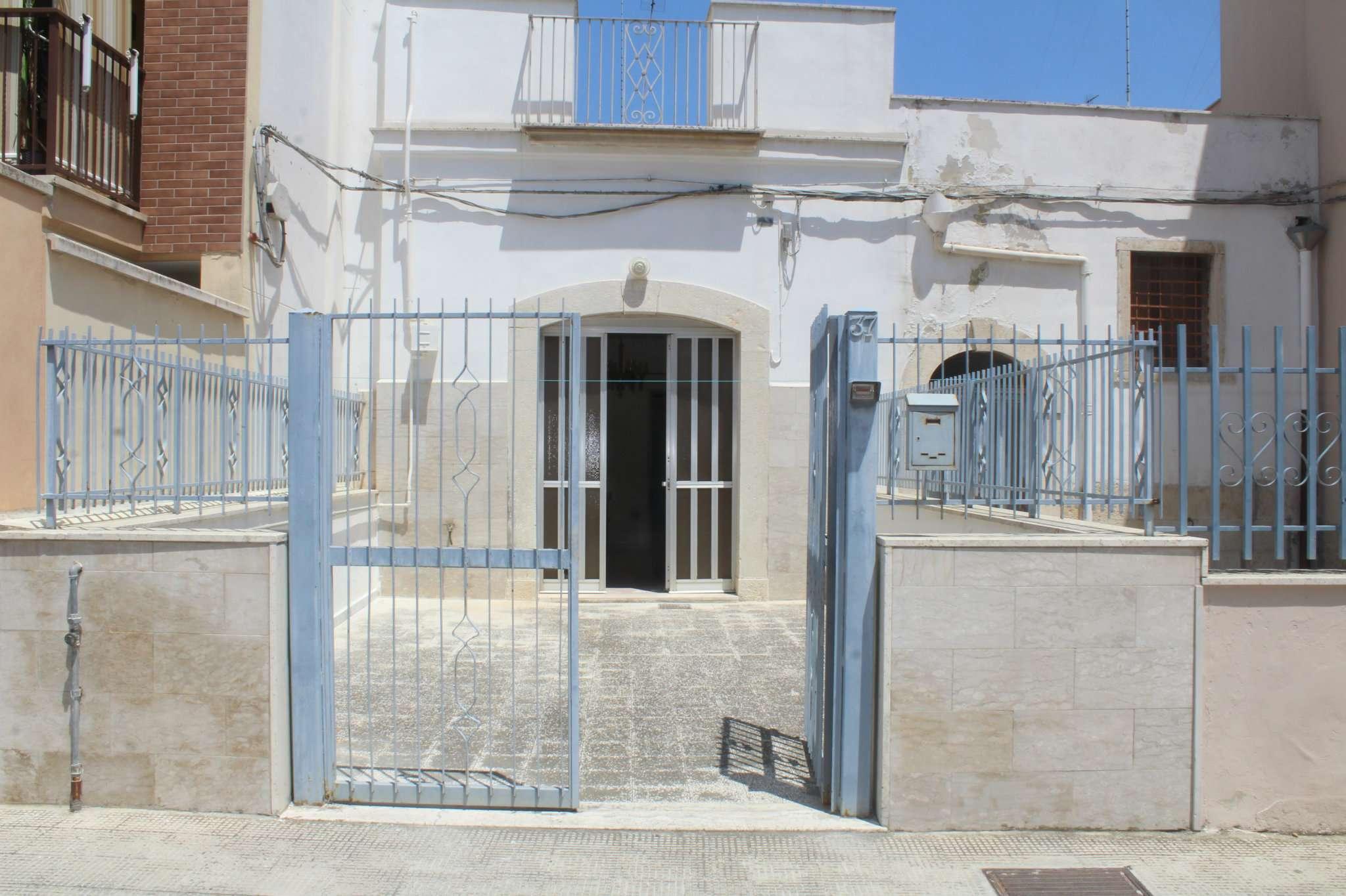 Soluzione Indipendente in vendita a Andria, 4 locali, prezzo € 110.000 | CambioCasa.it