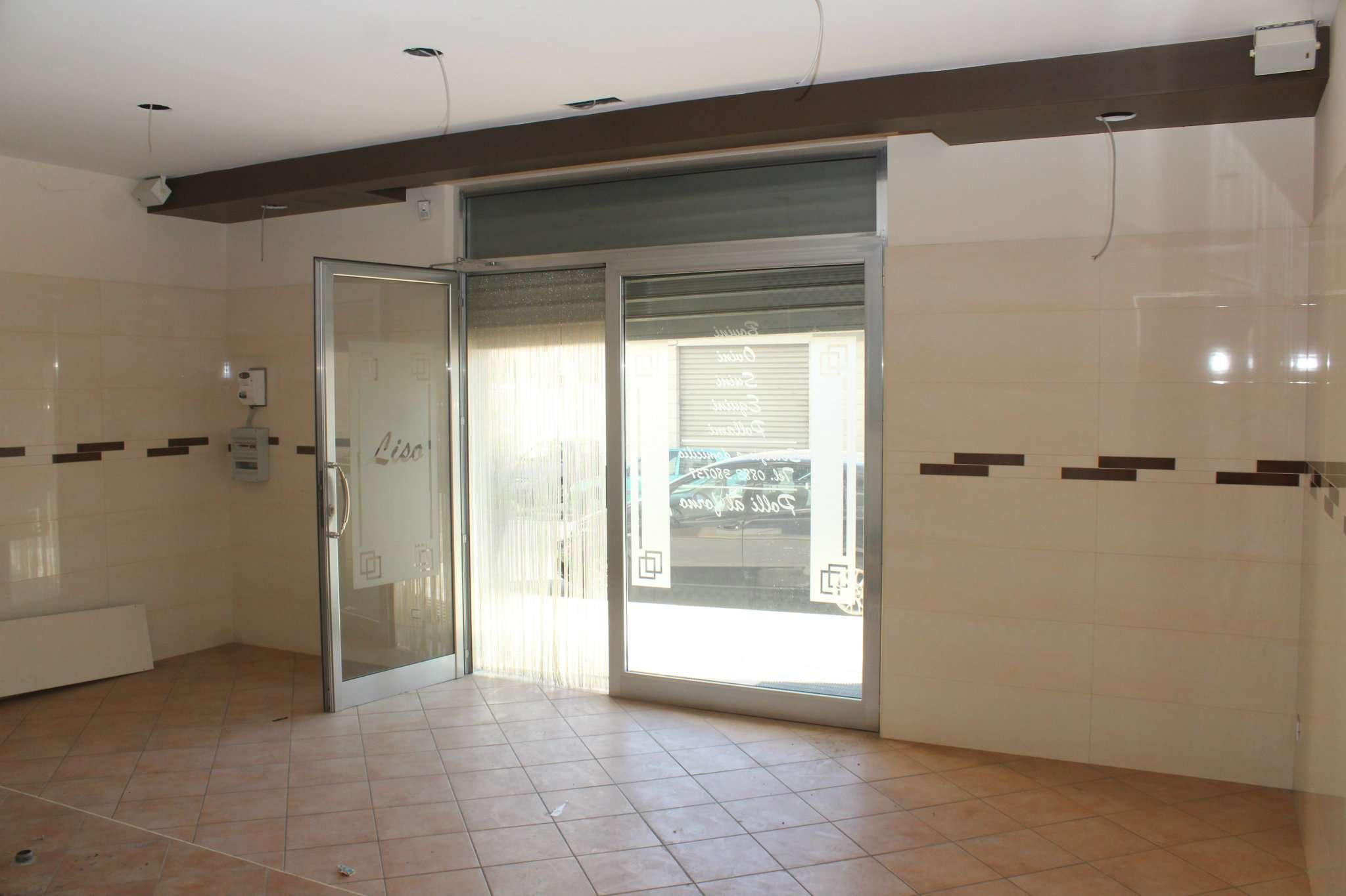 Negozio / Locale in vendita a Andria, 1 locali, prezzo € 450 | CambioCasa.it