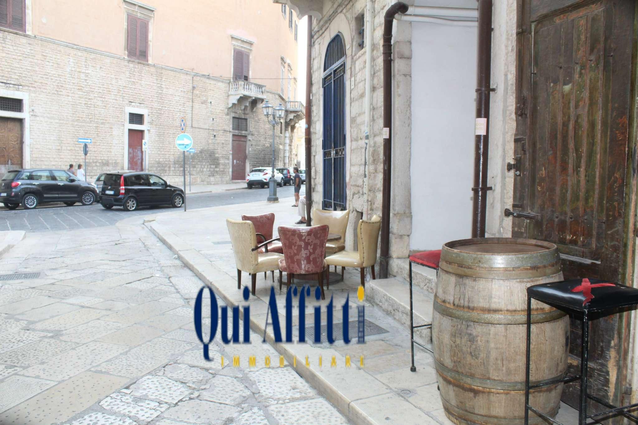 Attività / Licenza in vendita a Andria, 2 locali, prezzo € 14.000 | CambioCasa.it