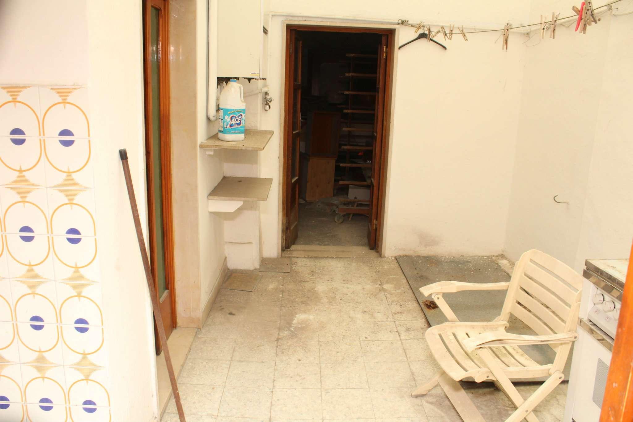 Negozio / Locale in affitto a Andria, 9999 locali, prezzo € 1.900 | CambioCasa.it