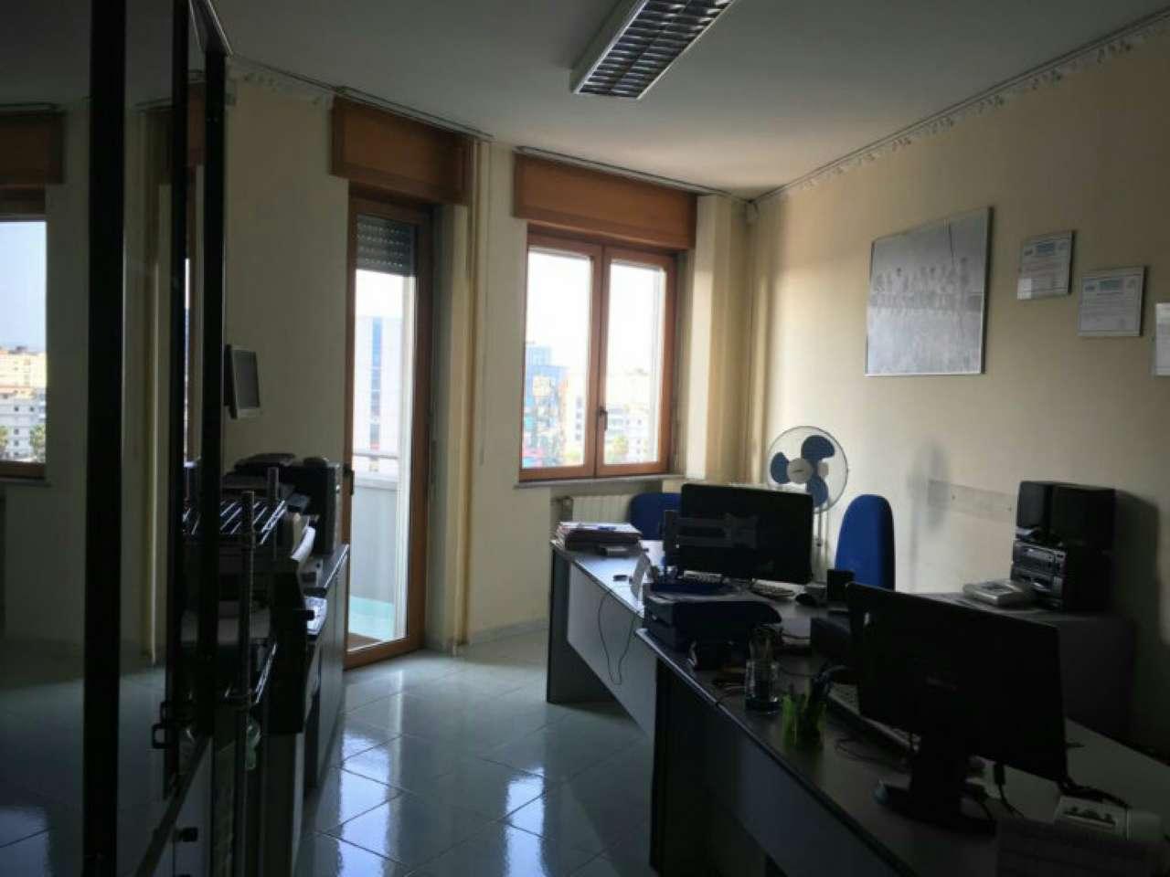 Appartamento in buone condizioni in vendita Rif. 7812836