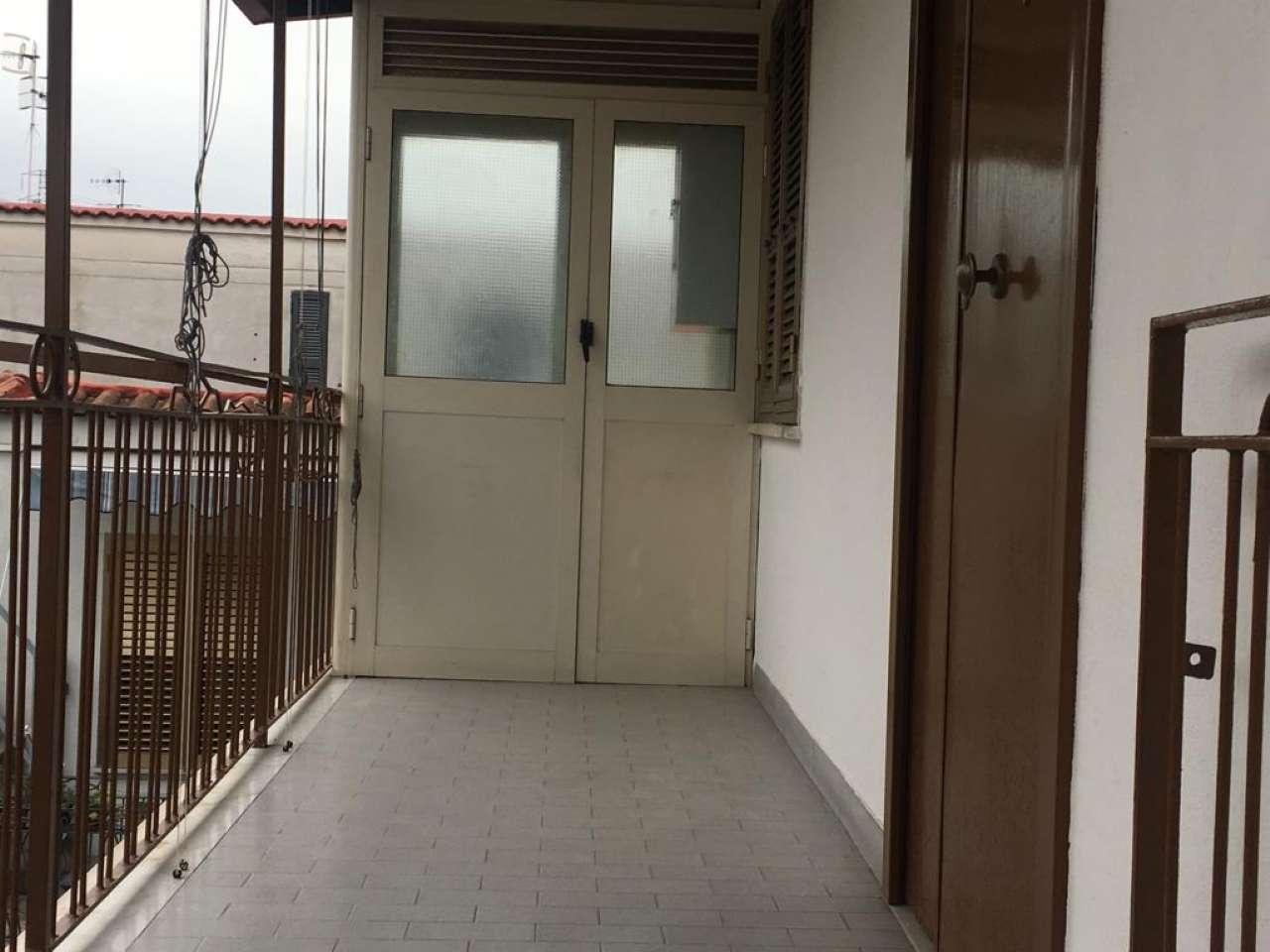 Appartamento in buone condizioni in affitto Rif. 8850208