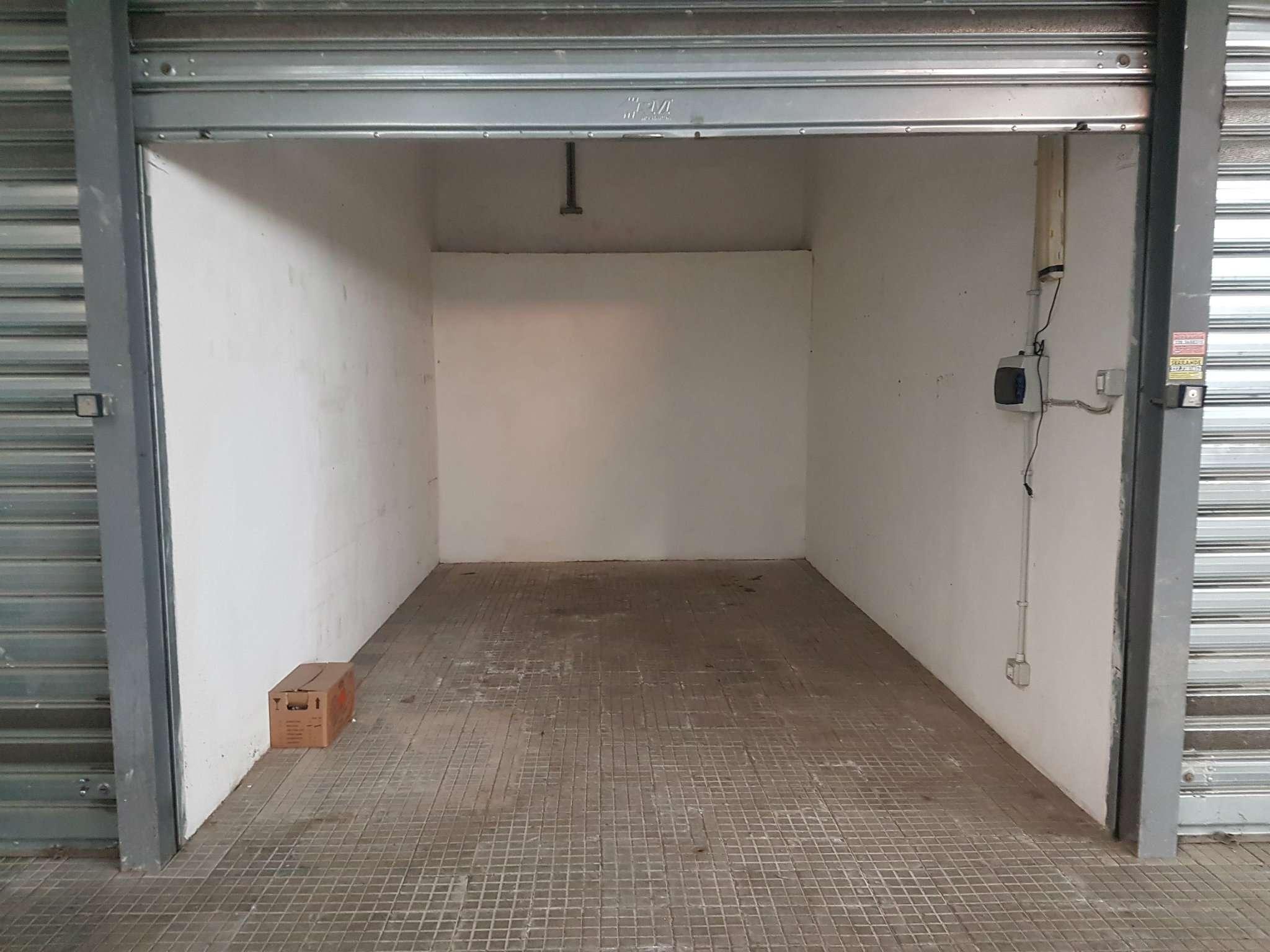 Box / Garage in vendita a Roma, 1 locali, zona Zona: 16 . Appia nuova - Alberone - Colli Albani, prezzo € 36.000 | CambioCasa.it