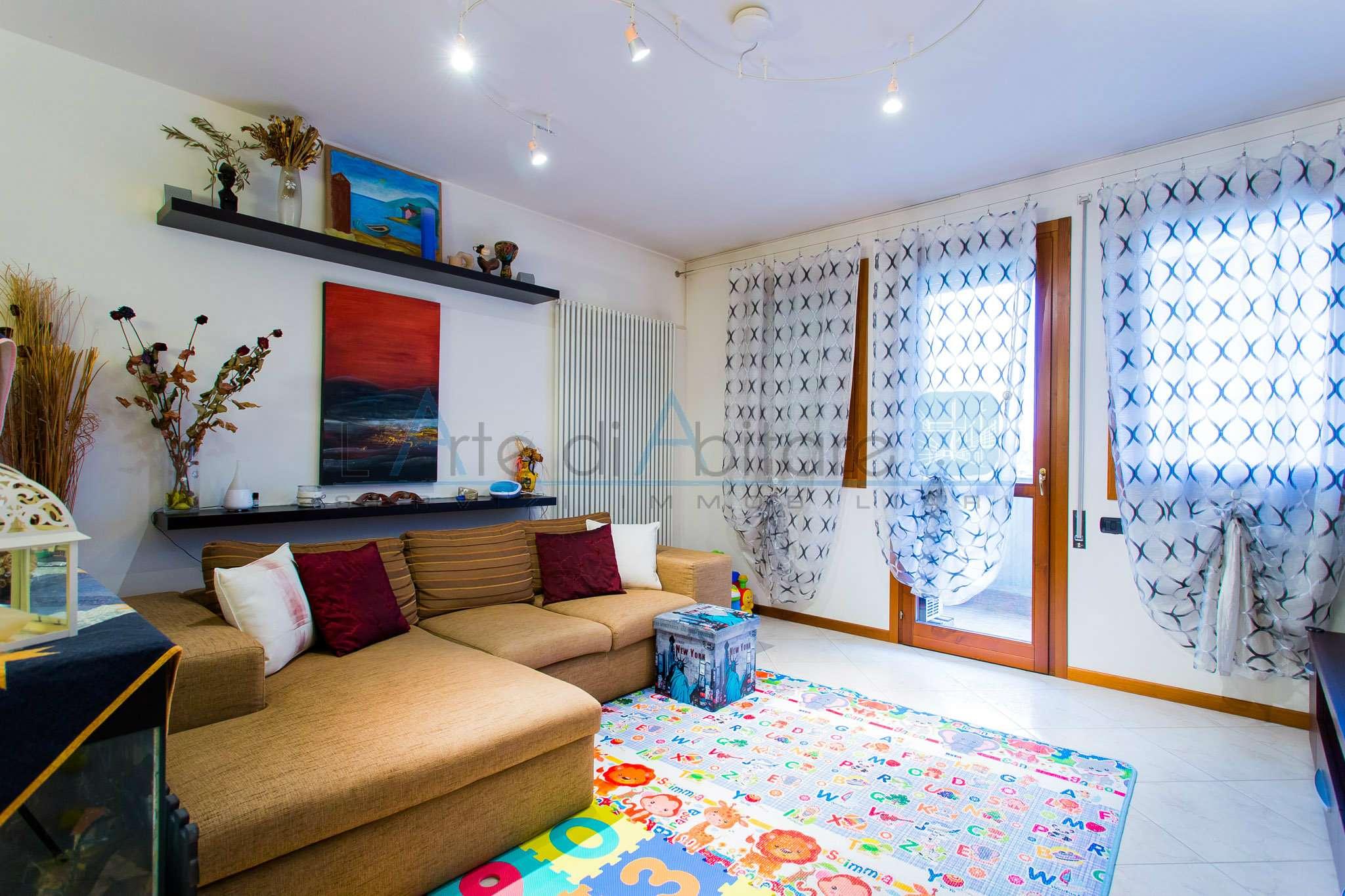 Appartamento in ottime condizioni in vendita Rif. 6378273
