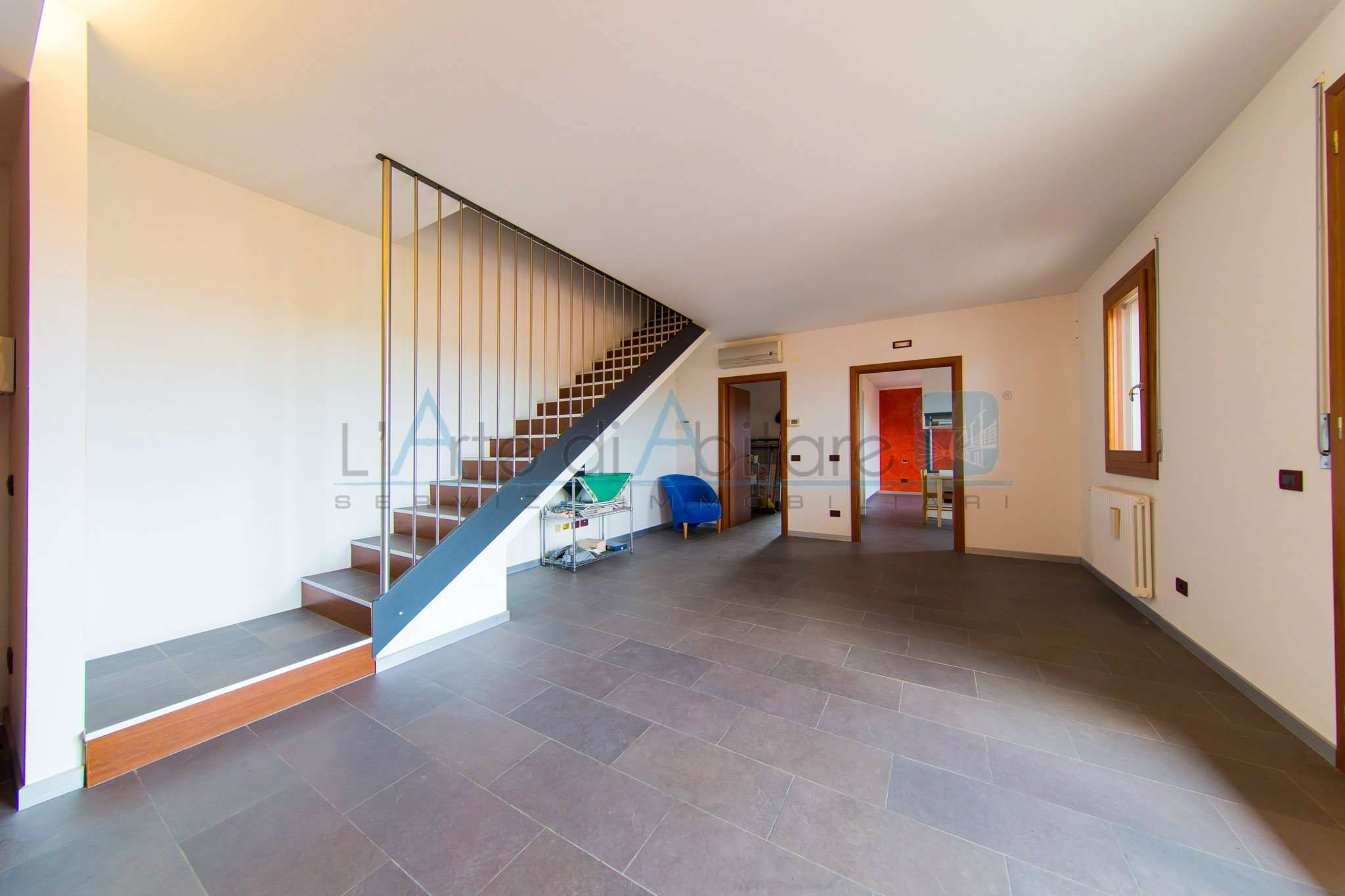 Appartamento di 120 mq con mansarda e cucina separata