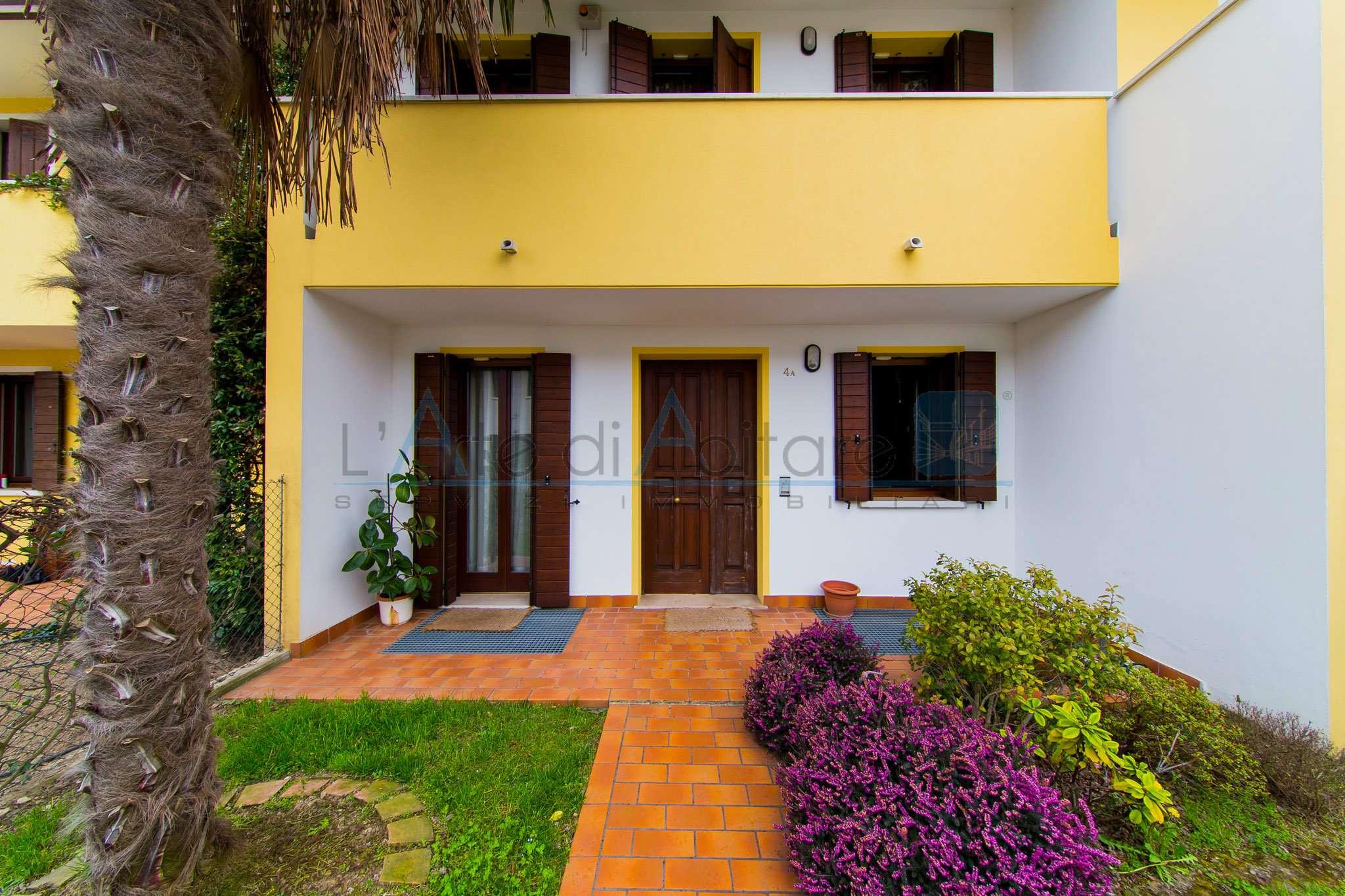 Casa Indipendente in buone condizioni in vendita Rif. 6922468