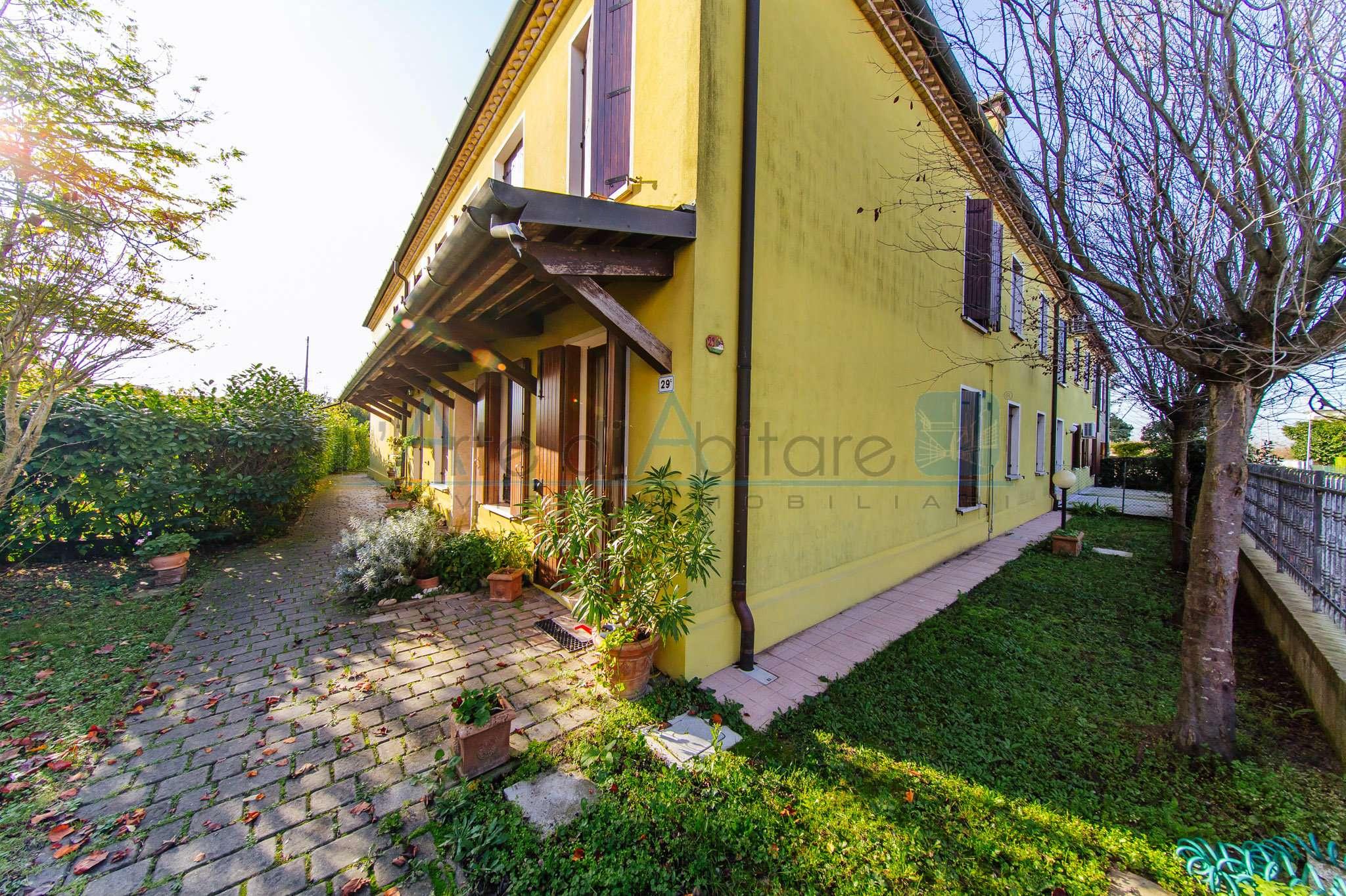 Appartamento in buone condizioni in vendita Rif. 8649294