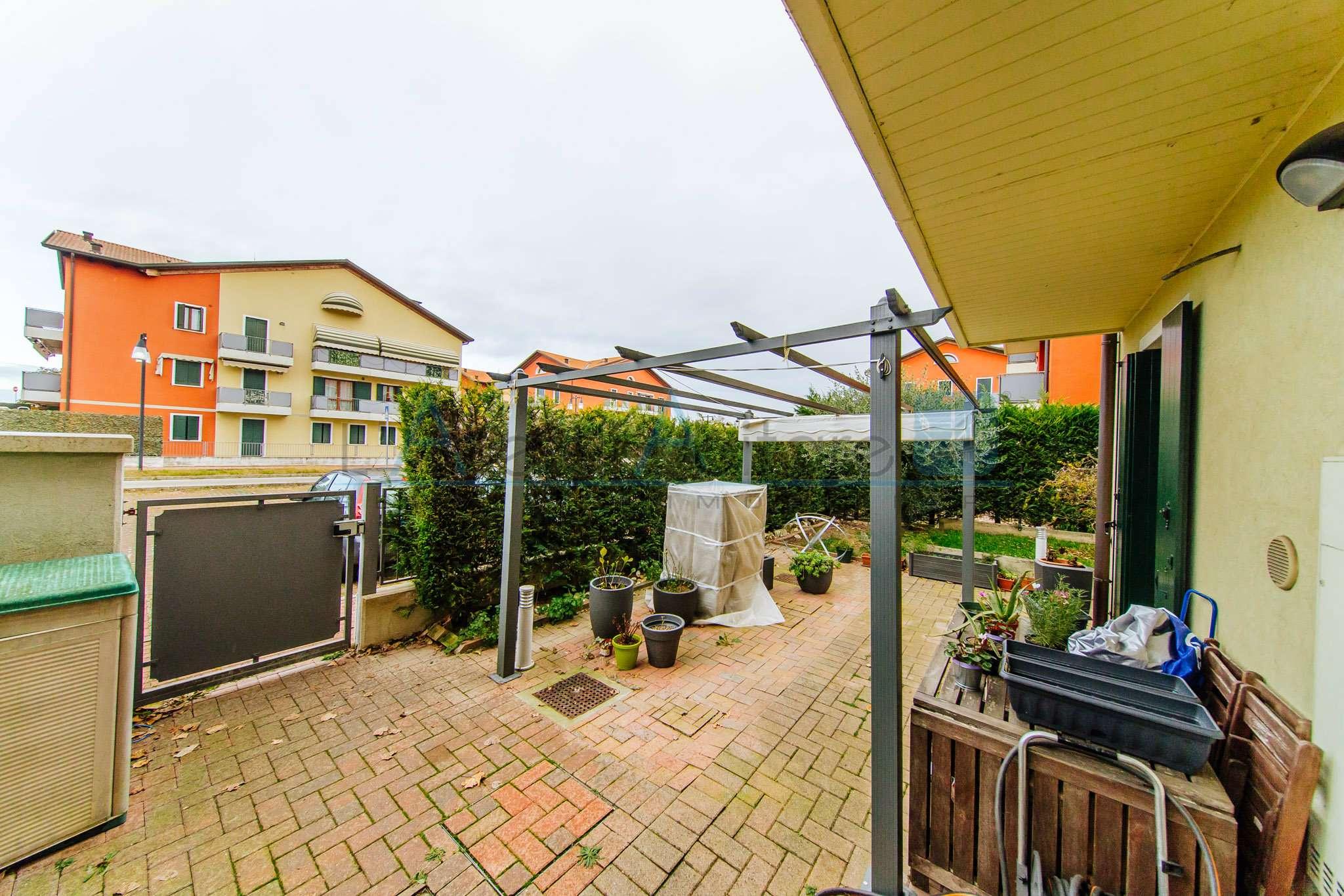Appartamento in ottime condizioni in vendita Rif. 9087834