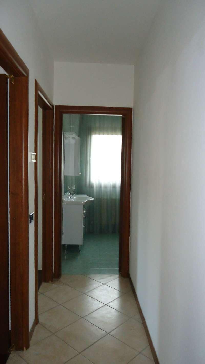 Appartamento in buone condizioni parzialmente arredato in vendita Rif. 8538786