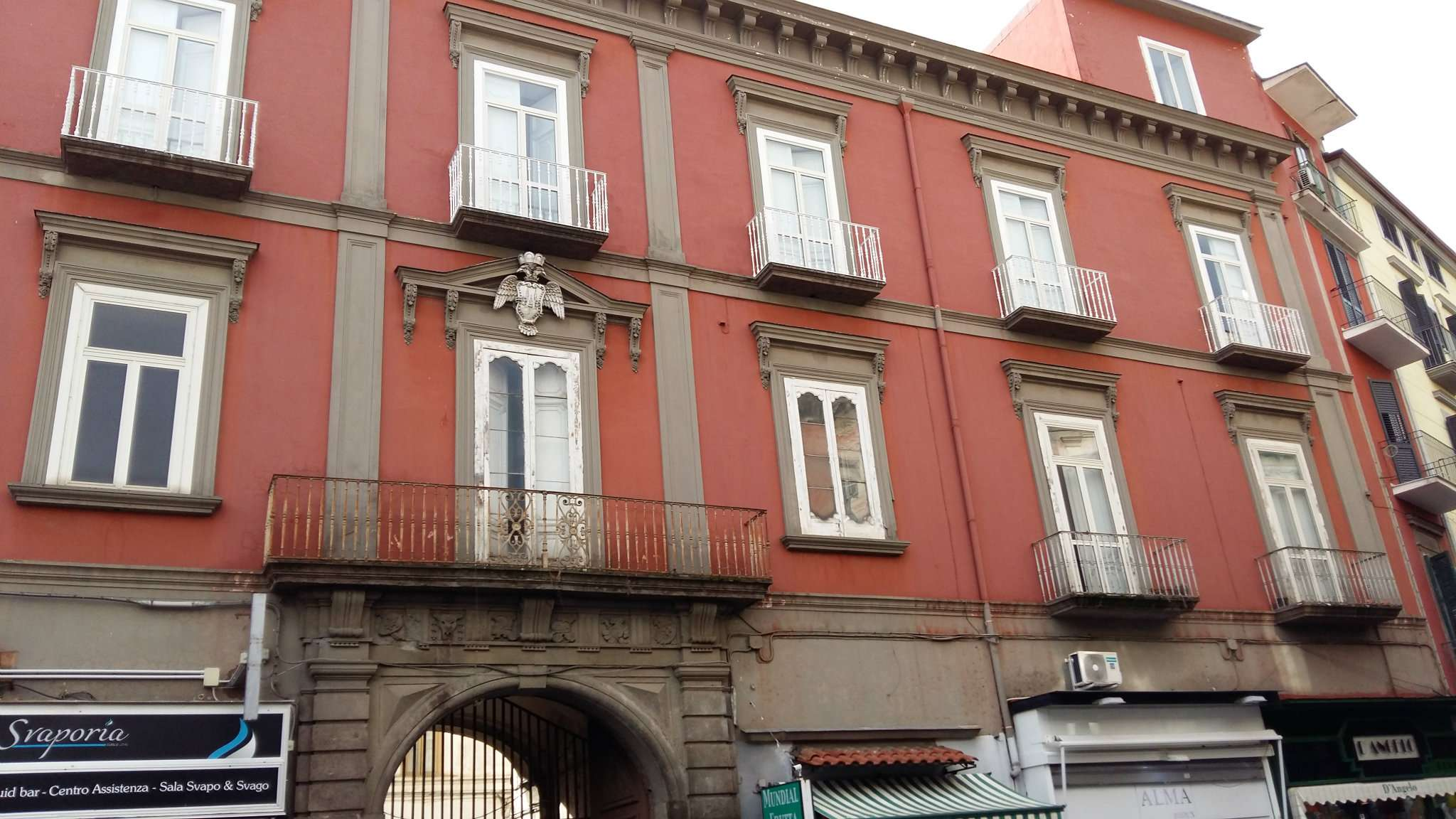 Appartamento da ristrutturare in vendita Rif. 5932645