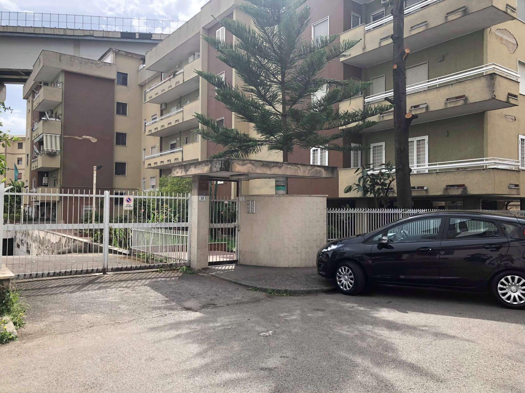 Appartamento da ristrutturare in vendita Rif. 6815604