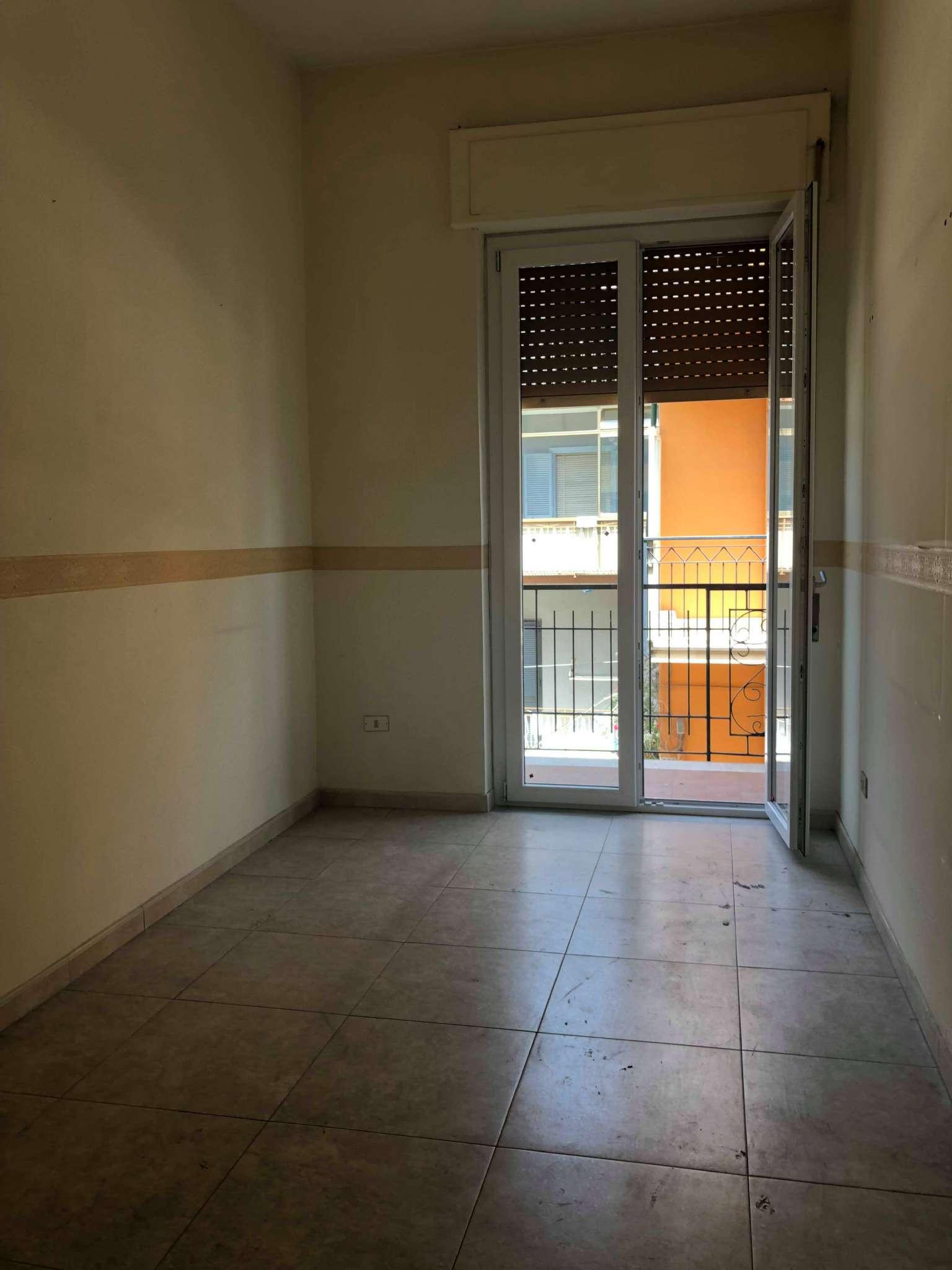 Appartamento in buone condizioni in affitto Rif. 6216257