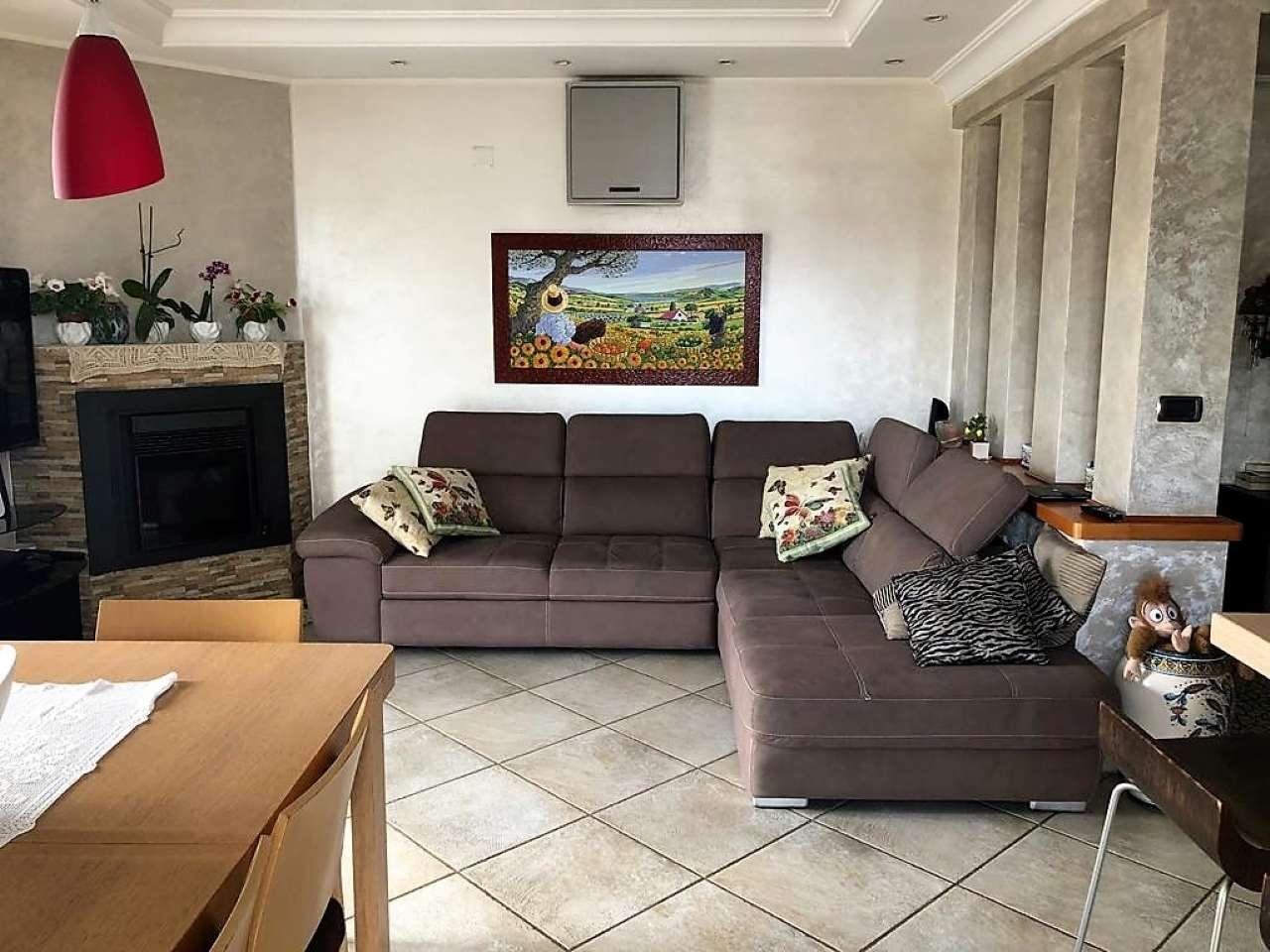 Appartamento in buone condizioni arredato in vendita Rif. 8494921
