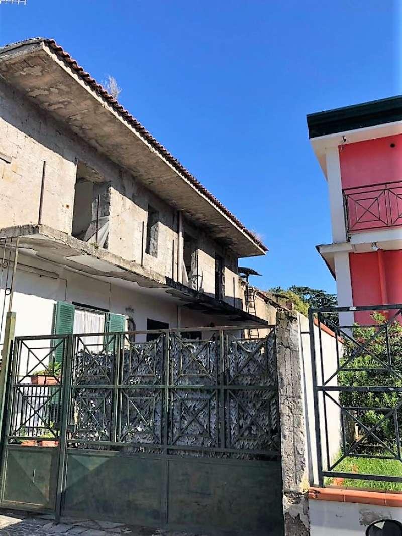 Appartamento da ristrutturare in vendita Rif. 8523590