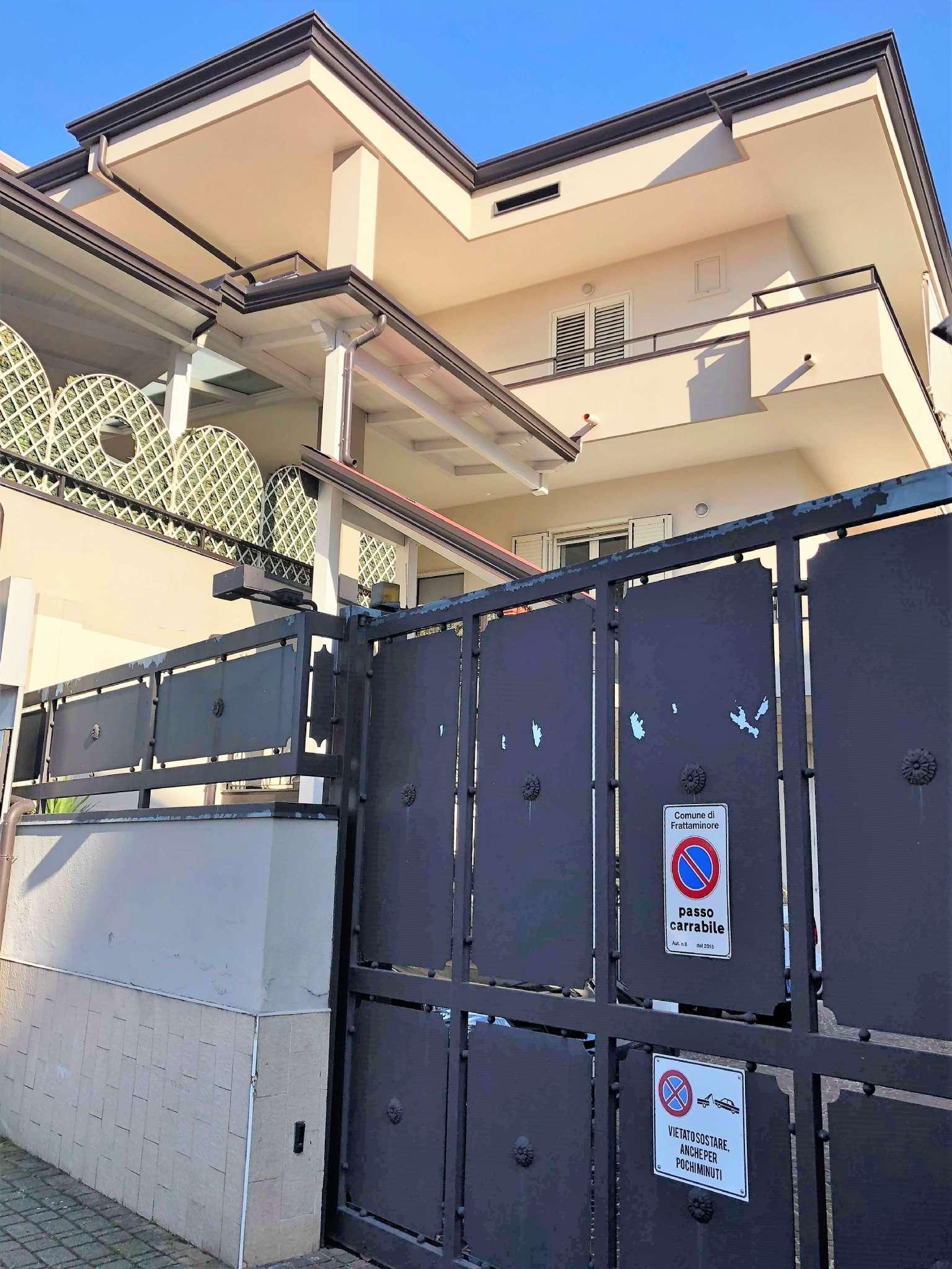 Appartamento in ottime condizioni in vendita Rif. 8833027
