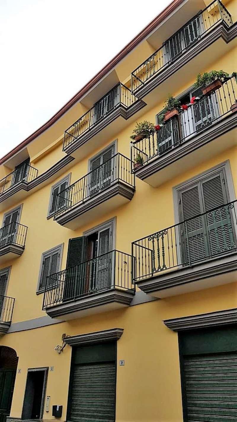 Appartamento in buone condizioni in vendita Rif. 9015902
