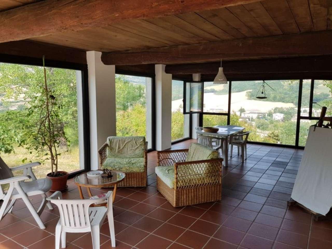 Rustico / Casale in vendita a Bettola, 8 locali, prezzo € 500.000   CambioCasa.it