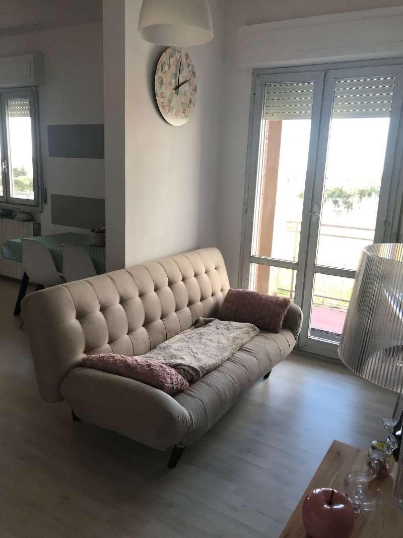 Appartamento in buone condizioni parzialmente arredato in affitto Rif. 8818745