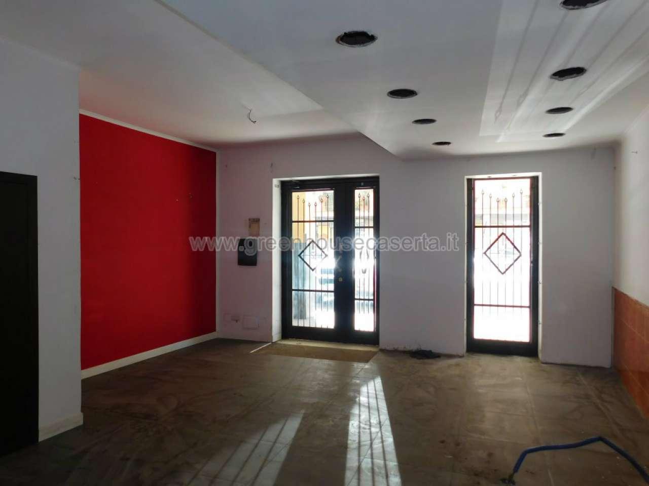locale commerciale di recente costruzione Rif. 8494923