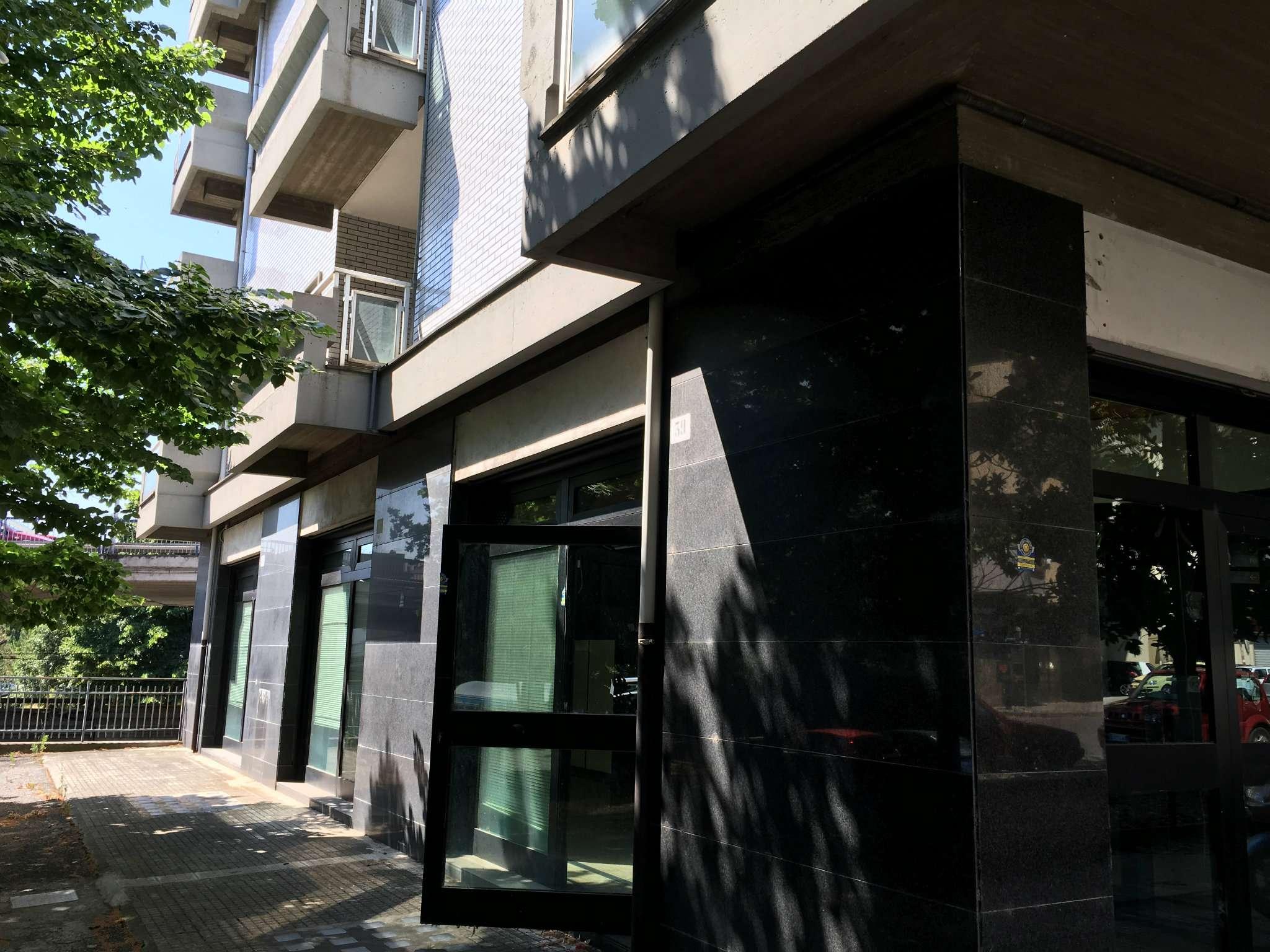 Locale commerciale zona Tribunale - via Leporace