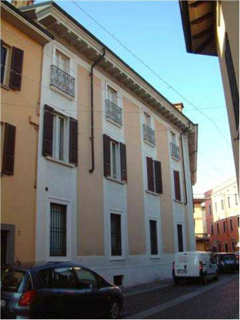 Appartamento in vendita a Chiari, 5 locali, prezzo € 260.000   PortaleAgenzieImmobiliari.it