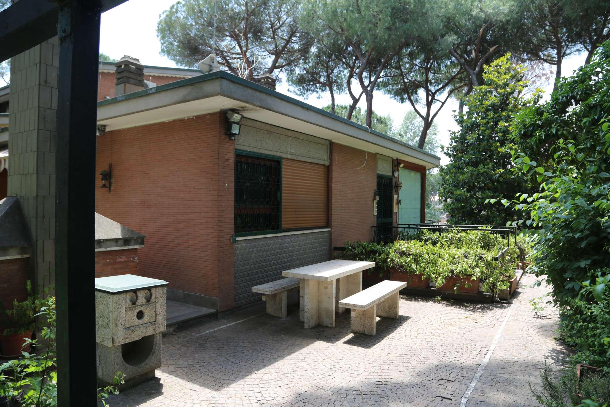 Villa in vendita a Roma, 10 locali, zona Zona: 22 . Eur - Torrino - Spinaceto, Trattative riservate | CambioCasa.it