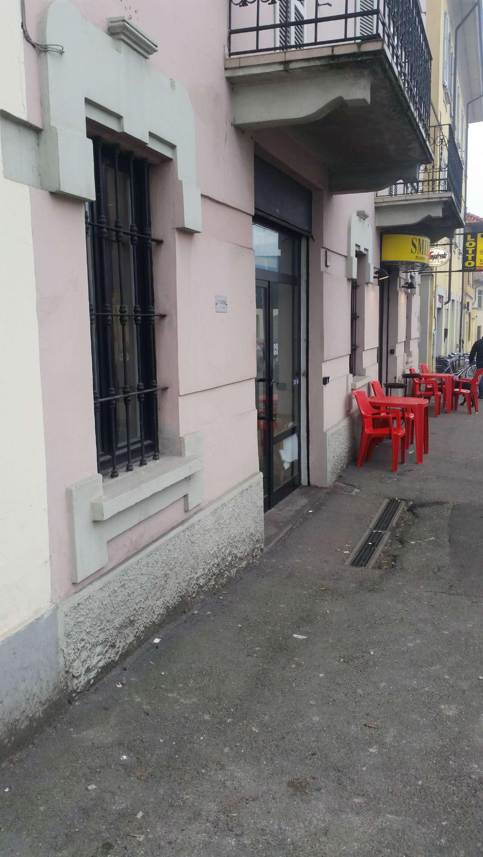 Negozio / Locale in affitto a Pavia, 2 locali, prezzo € 800   CambioCasa.it