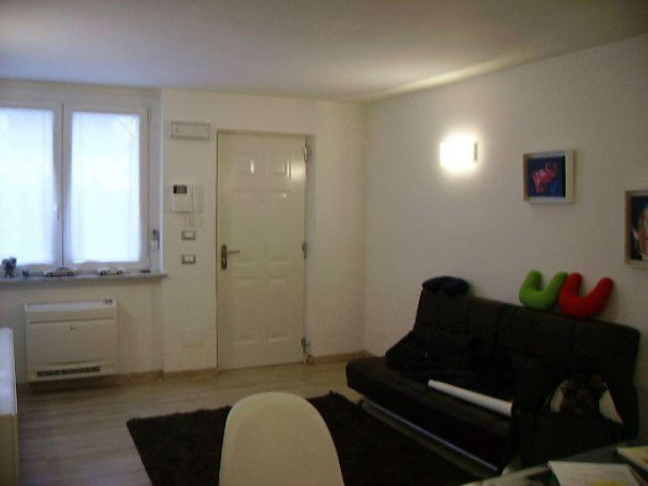 Ufficio / Studio in affitto a Pavia, 2 locali, prezzo € 450   CambioCasa.it