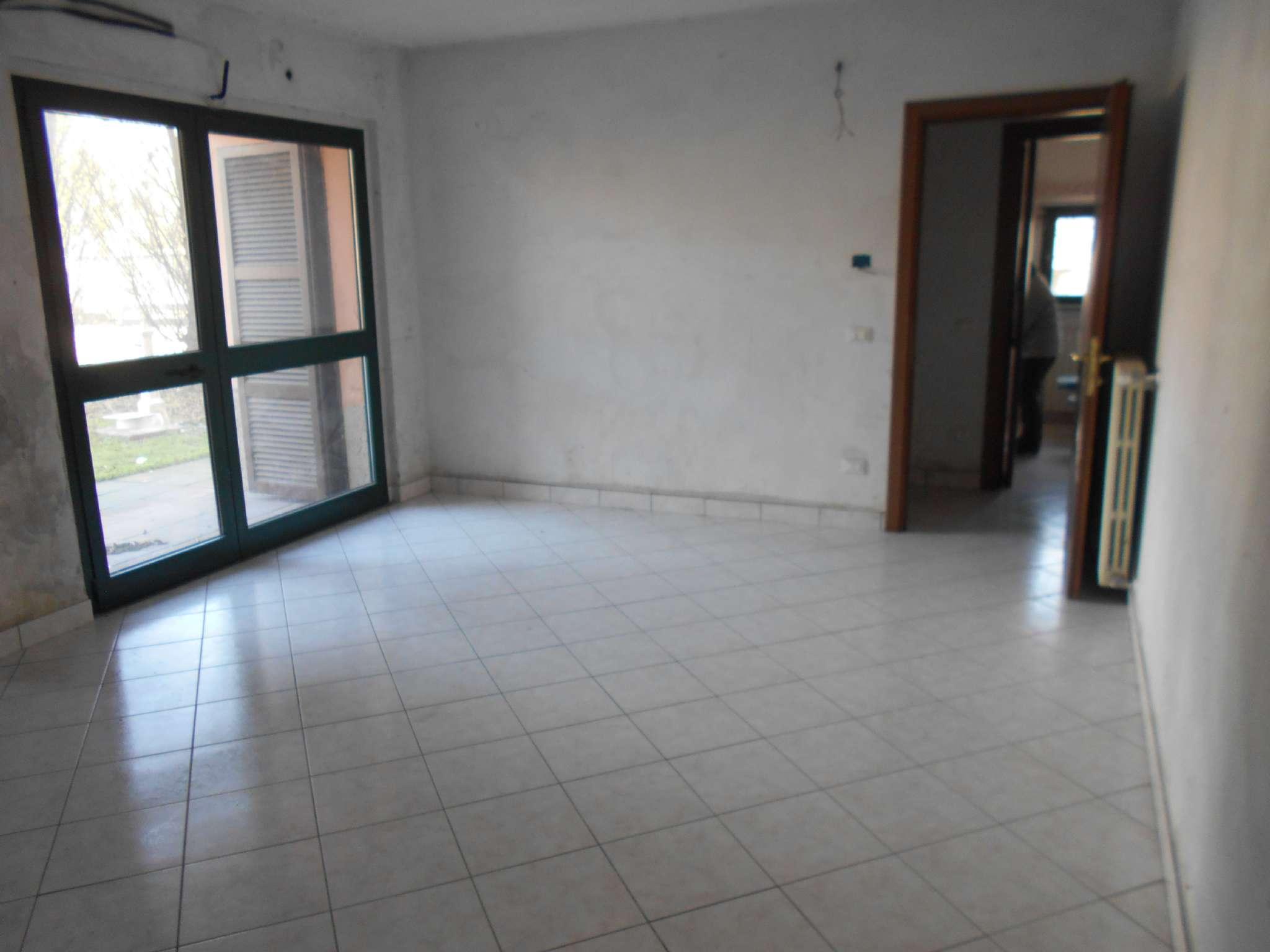 Appartamento in vendita a Villanterio, 3 locali, prezzo € 63.000 | CambioCasa.it