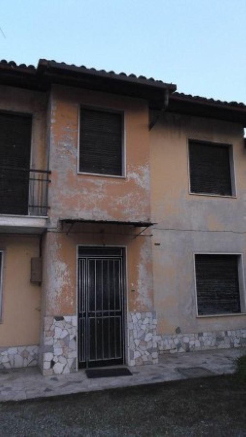 Rustico / Casale in vendita a San Zeno Naviglio, 6 locali, prezzo € 158.000 | PortaleAgenzieImmobiliari.it