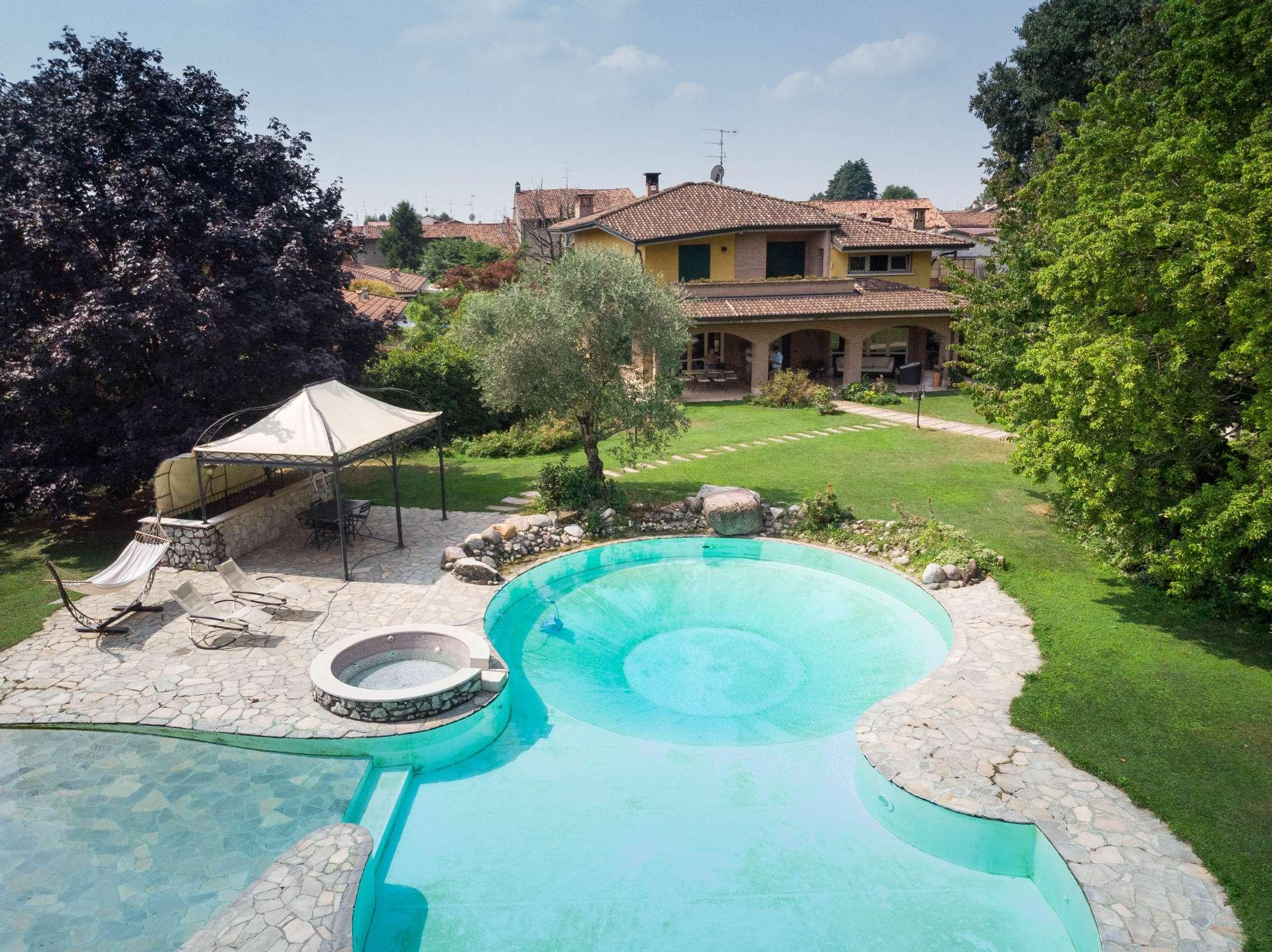 Villa in vendita a Castegnato, 5 locali, Trattative riservate | PortaleAgenzieImmobiliari.it