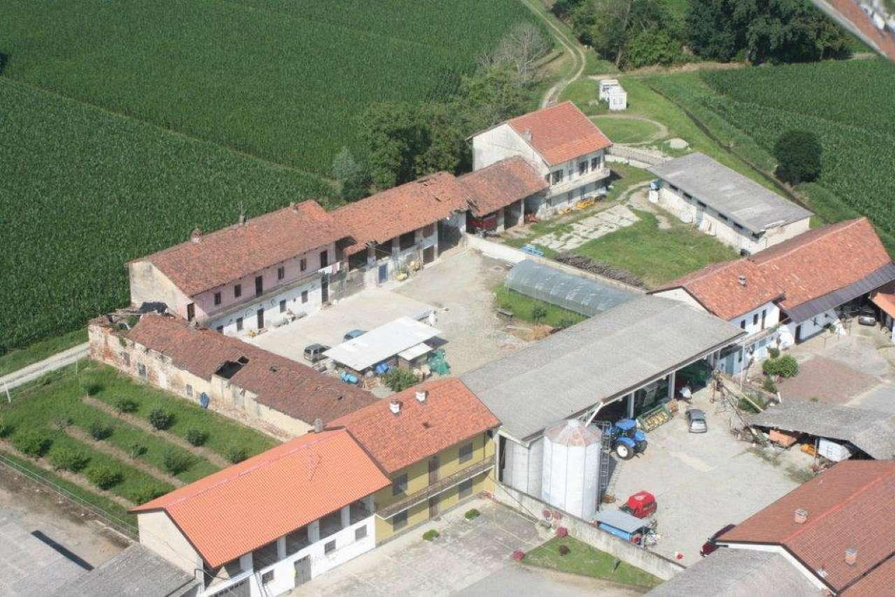 Cascina in vendia comune di Tronzanesa