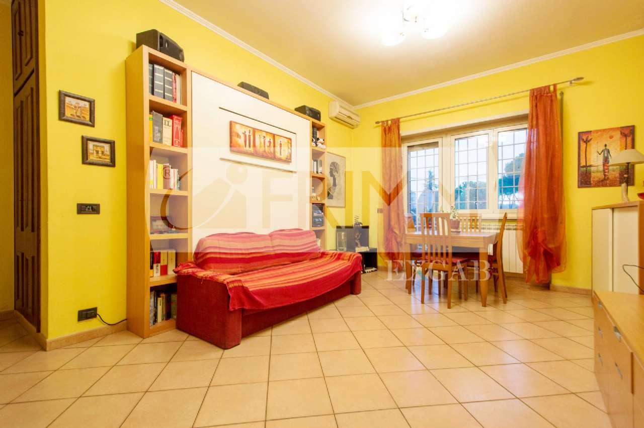 Appartamento in vendita a Roma, 2 locali, zona Zona: 11 . Centocelle, Alessandrino, Collatino, Prenestina, Villa Giordani, prezzo € 180.000 | CambioCasa.it
