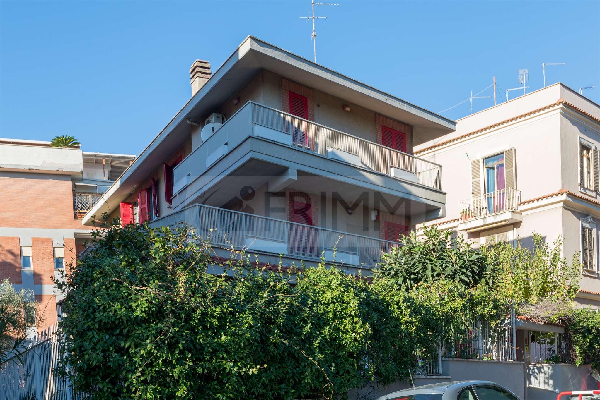 Stabile / Palazzo in buone condizioni in vendita Rif. 8912912