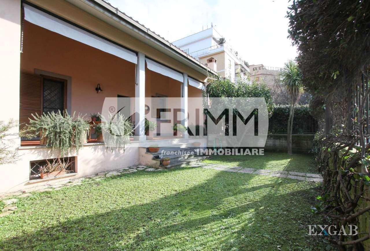 Villetta a schiera in buone condizioni parzialmente arredato in vendita Rif. 9469202