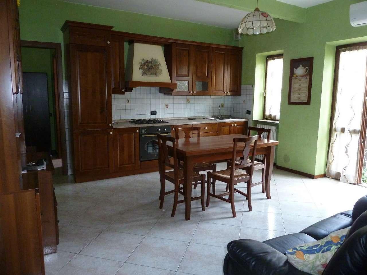 Appartamento in vendita a Limbiate, 2 locali, prezzo € 120.000   CambioCasa.it
