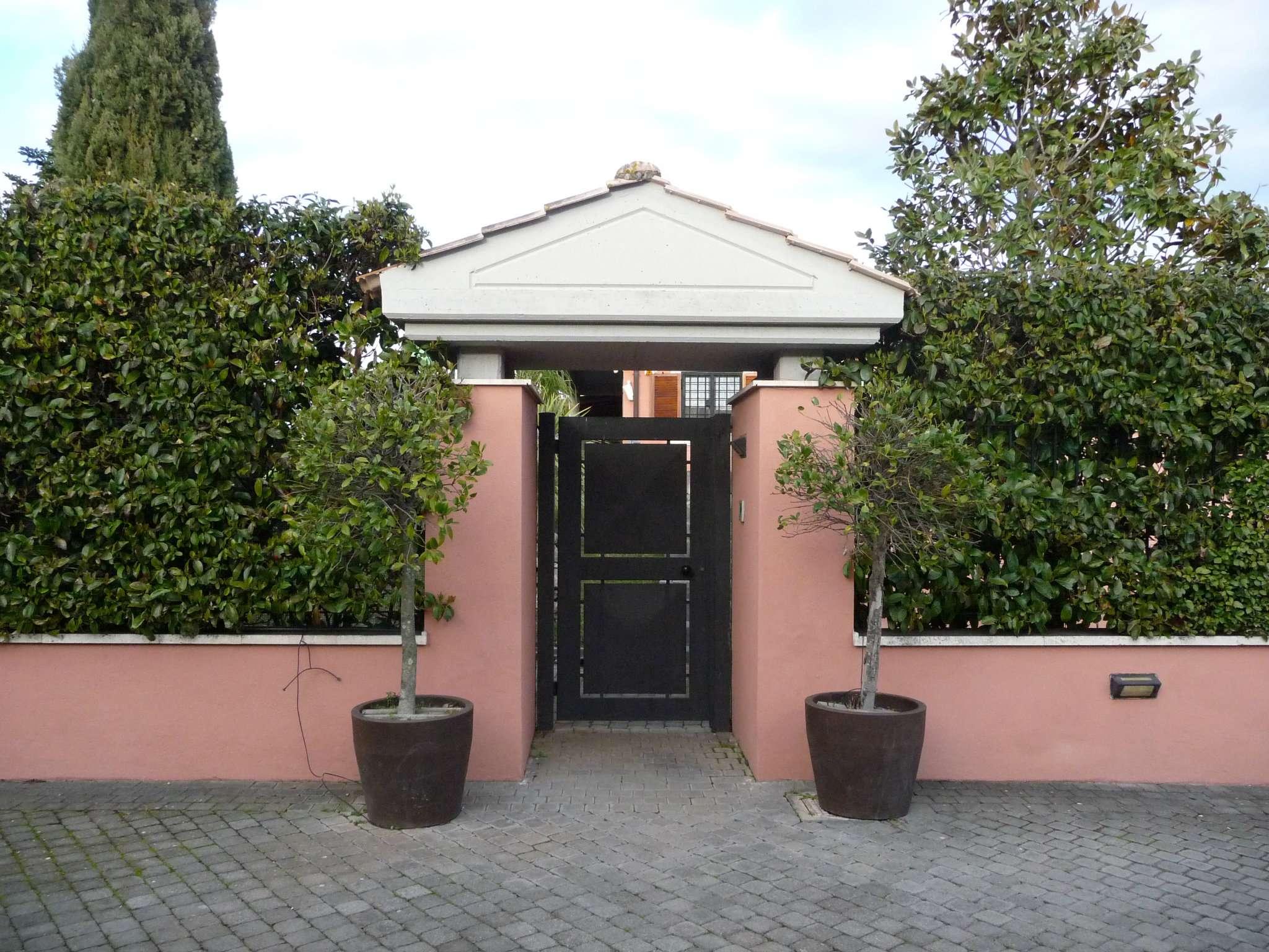 Villa con giardino affitto a roma for Affitto uffici zona eur