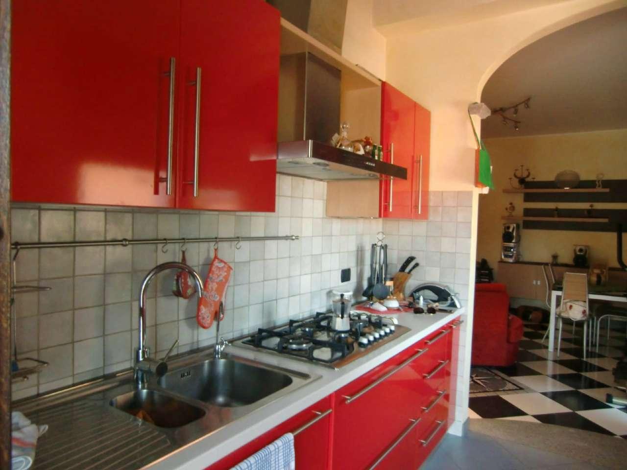 Appartamento in ottime condizioni parzialmente arredato in vendita Rif. 8175771